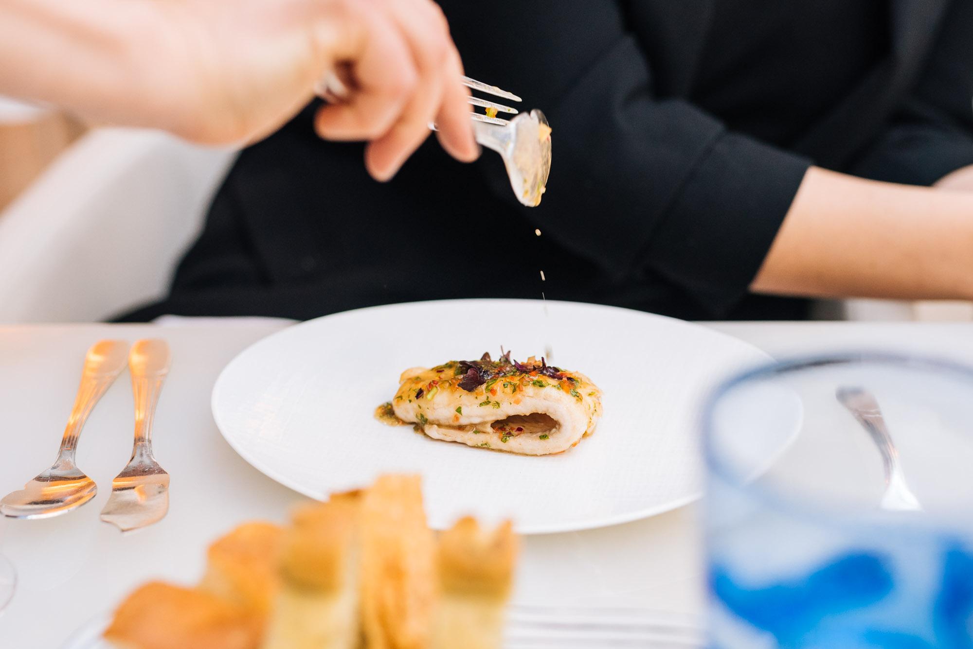 Paris - Four Seasons Hotel George V - Lunch at Le George - Sole rôtie, sauce vinaigrée au basilic et légumes