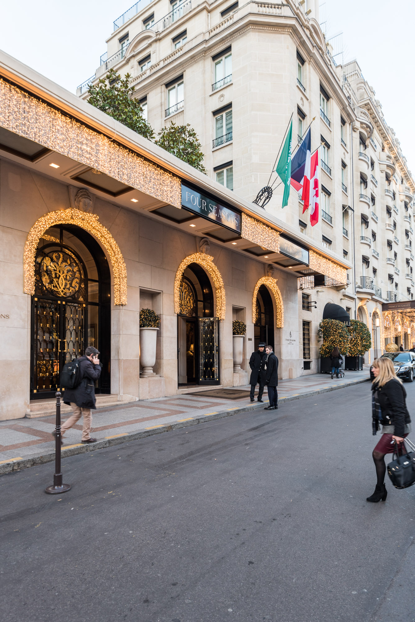 Paris Visiting Four Seasons George V Hotel Entrance