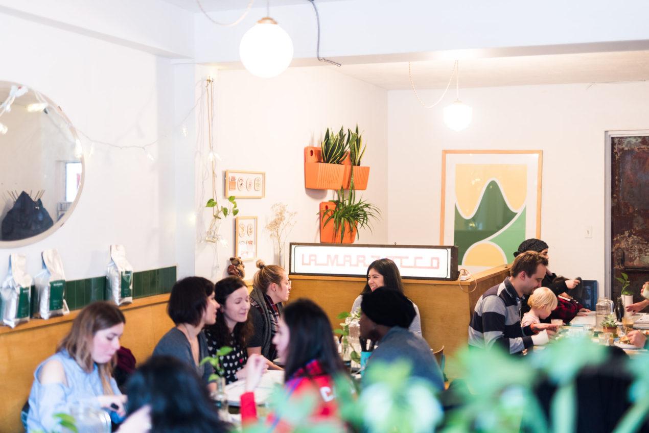 Jeff On The Road - Montreal - Food - Brunch at Cafe Melbourne - People Inside