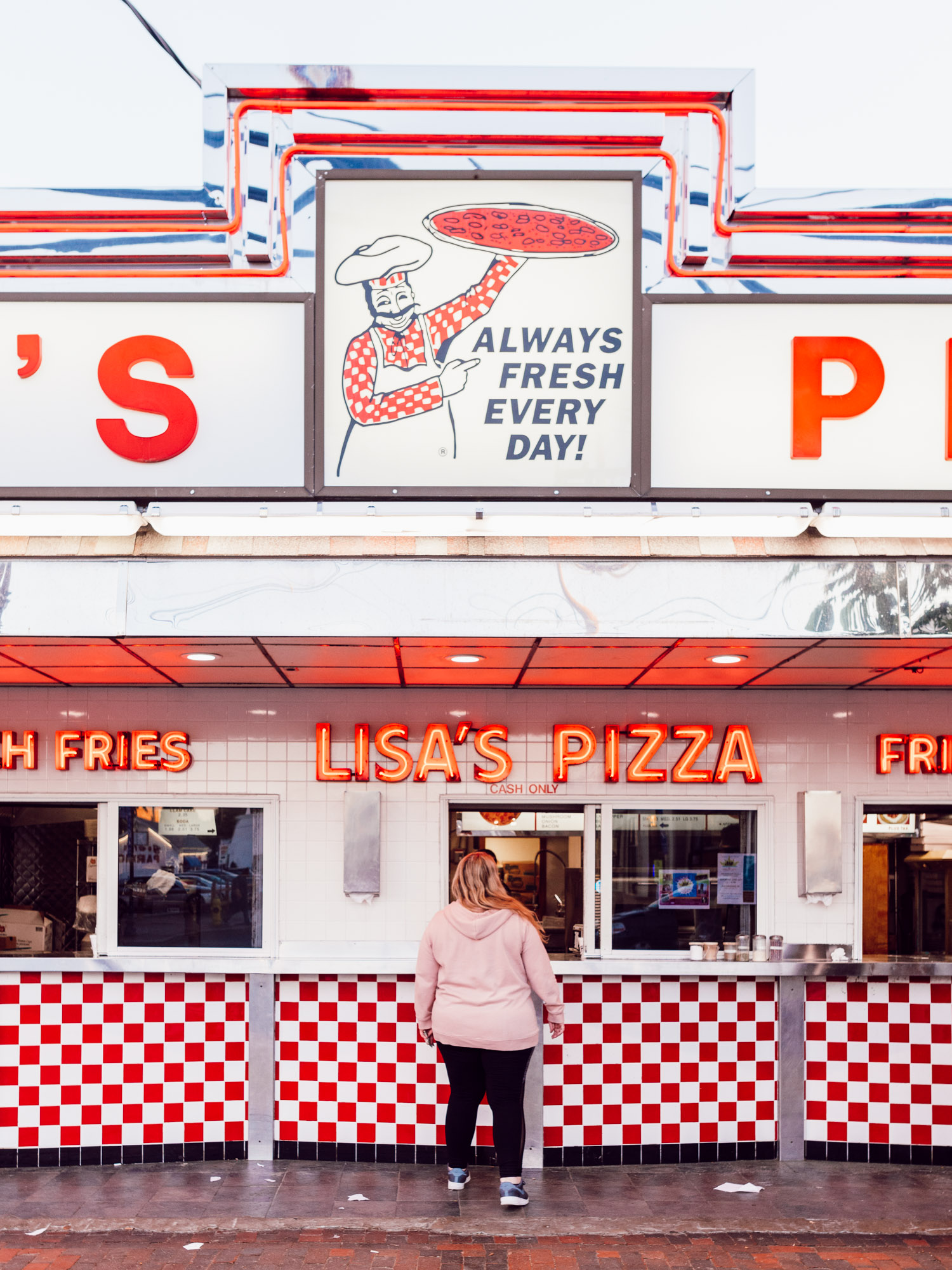 Lisa's Pizza - Old Orchard Beach - Maine - Best Things To Do In Maine - Jeff On The Road - All photos are under Copyright  © 2019 Jeff Frenette Photography / dezjeff. To use the photos, please contact me at dezjeff@me.com.