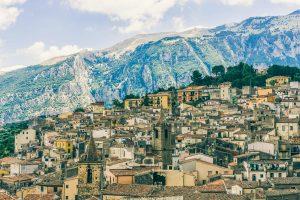 Isnello - Sicily - Italy - Jeff On The Road - Photo by Chris Slupski on Unsplash - https://unsplash.com/photos/bTHcjr5yUWQ