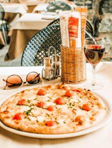 Pizza - Bellagio - Sicily - Italy - Jeff On The Road - Photo by Fallon Travels on Unsplash - https://unsplash.com/photos/W01Qwuhb_l4