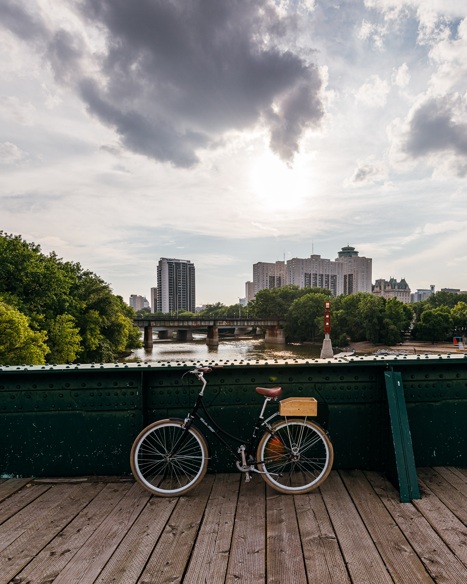 Bike ride through North River Heights and Wolseley — Winnipeg — Manitoba — Jeff Frenette Photography — Jeff On The Road - All photos are under Copyright  © 2019 Jeff Frenette Photography / dezjeff. To use the photos, please contact me at dezjeff@me.com.